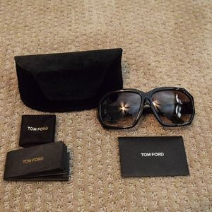 "Tom Ford ""Elise"" TF266 Sunglasses"